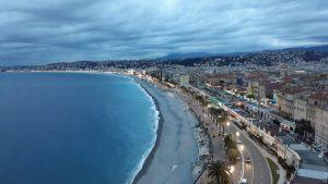 Blick auf den Strand von Nizza